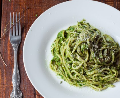 Spaghetti with courgette pesto