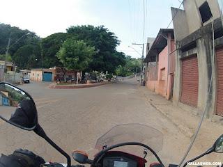 Cruzando a cidade de Senhora do Carmo/MG.