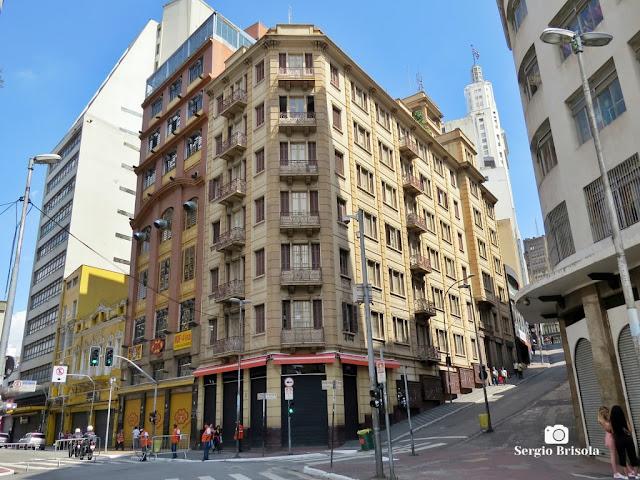 Vista ampla do antigo Edifício Vicente Giordano - Ladeira Porto Geral 106 - Centro - São Paulo
