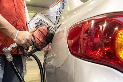 Petrobras anuncia quedas de 3,80% no preço da gasolina e de 1,30% no diesel a partir de hoje