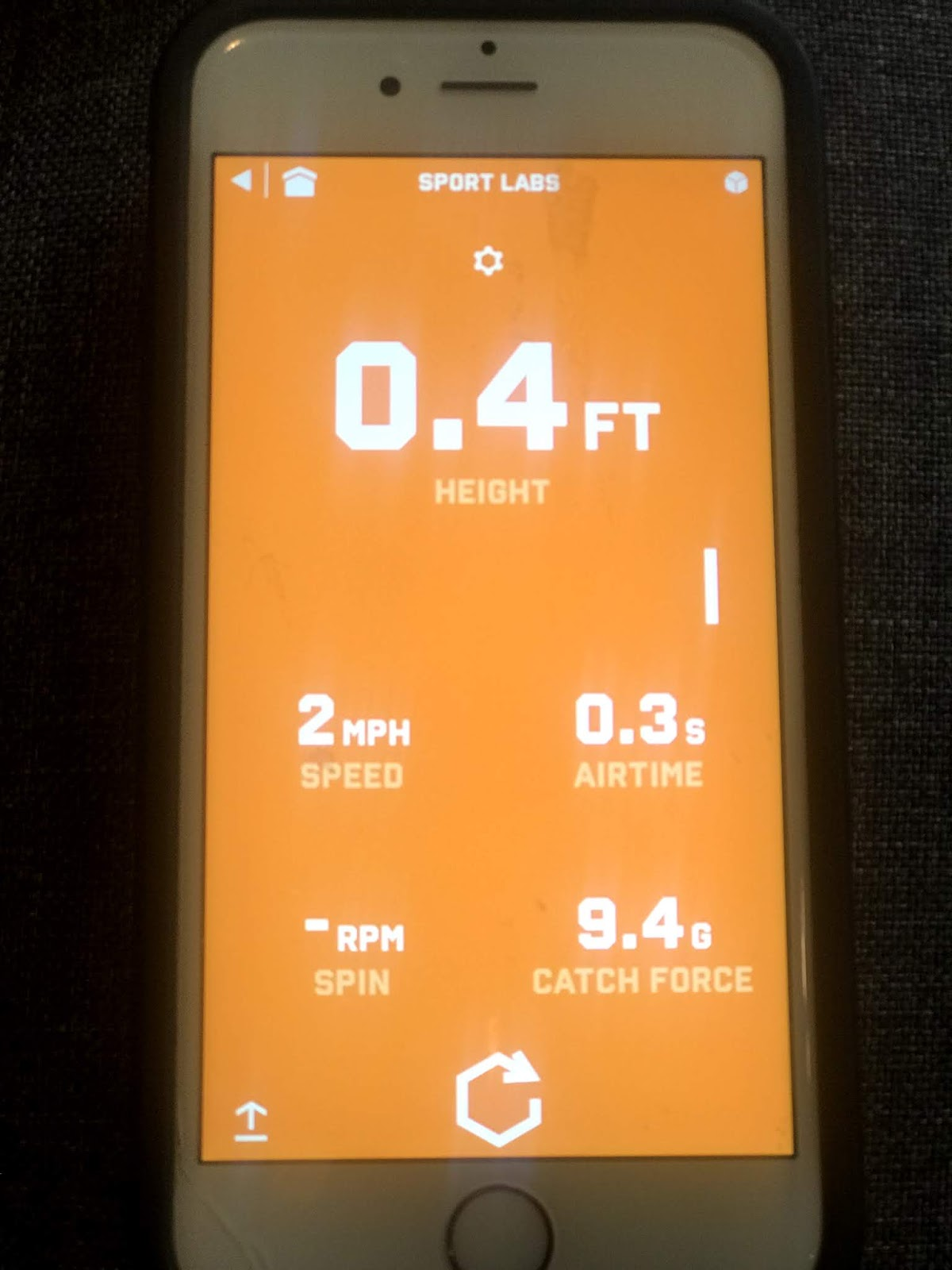 screen of the app  from the sports labs activity with the stats of throwing, speed