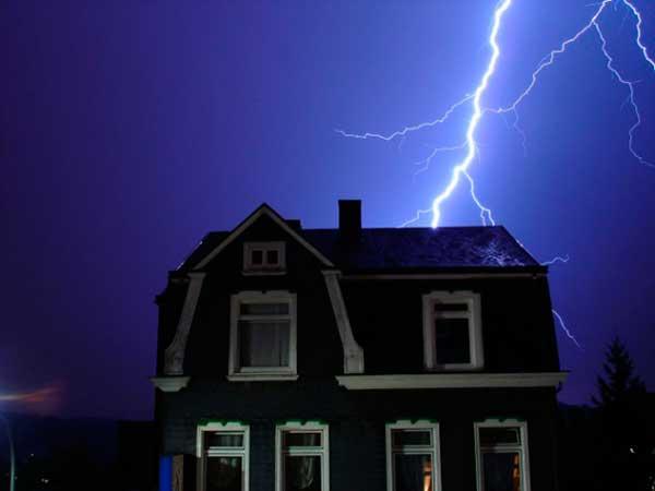 الحماية من الصواعق الكهربائية