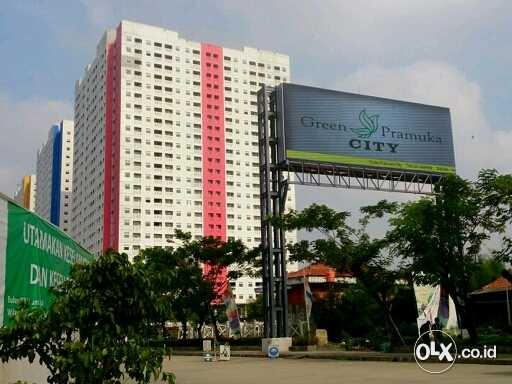 Mall di Kawasan Apartemen Green Pramuka City