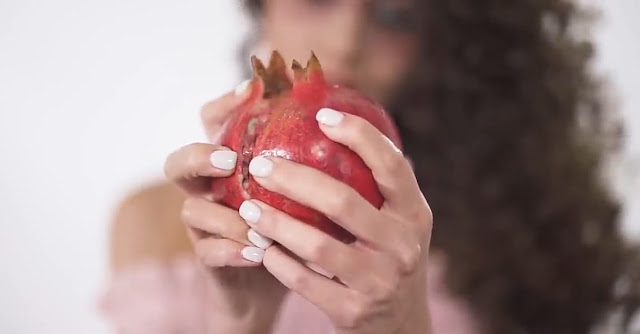 Daily_Eating_Pomegranate_Benefits