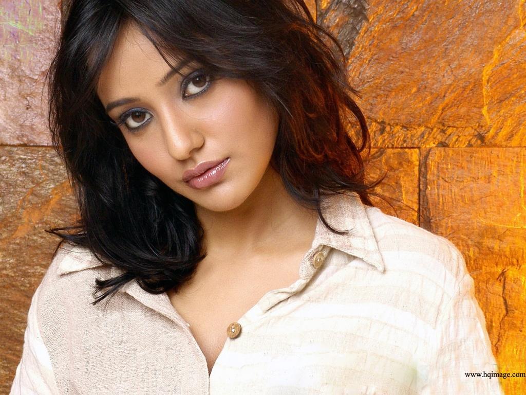 Pic new posts wallpaper neha sharma download - Indian actress wallpaper download ...