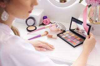 Attractive girl makeup