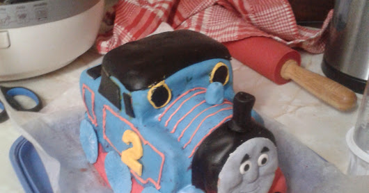 Thomas the Tank Engine cake - Part One - The party cake