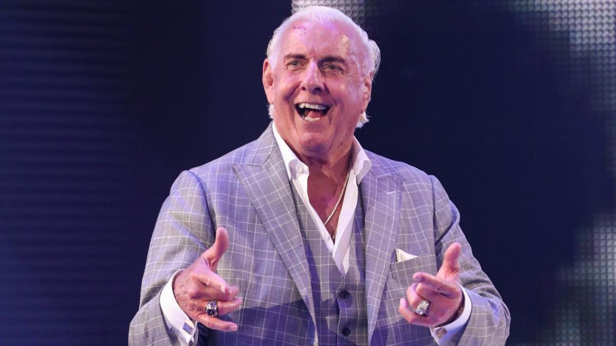 Booker T diz que Ric Flair nunca quis se aposentar do pro-wrestling