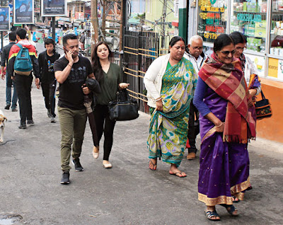tourists who stayed back in Darjeeling