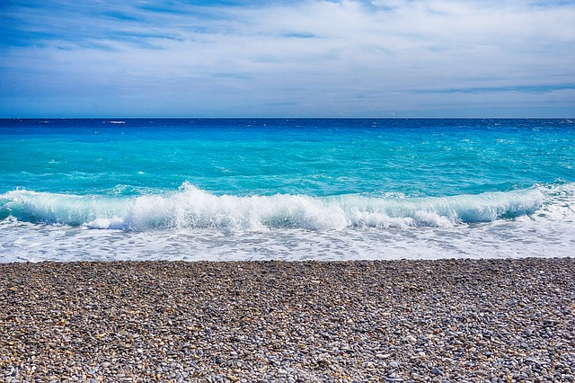 beach-waves, southern-france