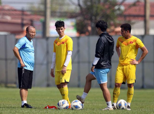 Báo Hàn Quốc: U23 Việt Nam không dễ, HLV Park Hang Seo phải trổ hết tài