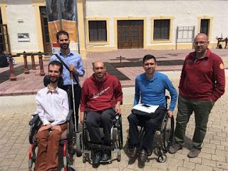 Ο Βαγγέλης με τους Ανδρέα Στρατηκόπουλο, Στέλιο Κυμπουρόπουλο, Γιώργο Σελιανίτη και Δημήτρη