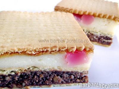 Prajitura cu biscuiti si crema de gris (imaginea retetei)