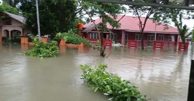 Banjir 'Kepung' Kota Sinjai, Bupati ASA Minta Camat Bergerak Cepat Bantu Warga