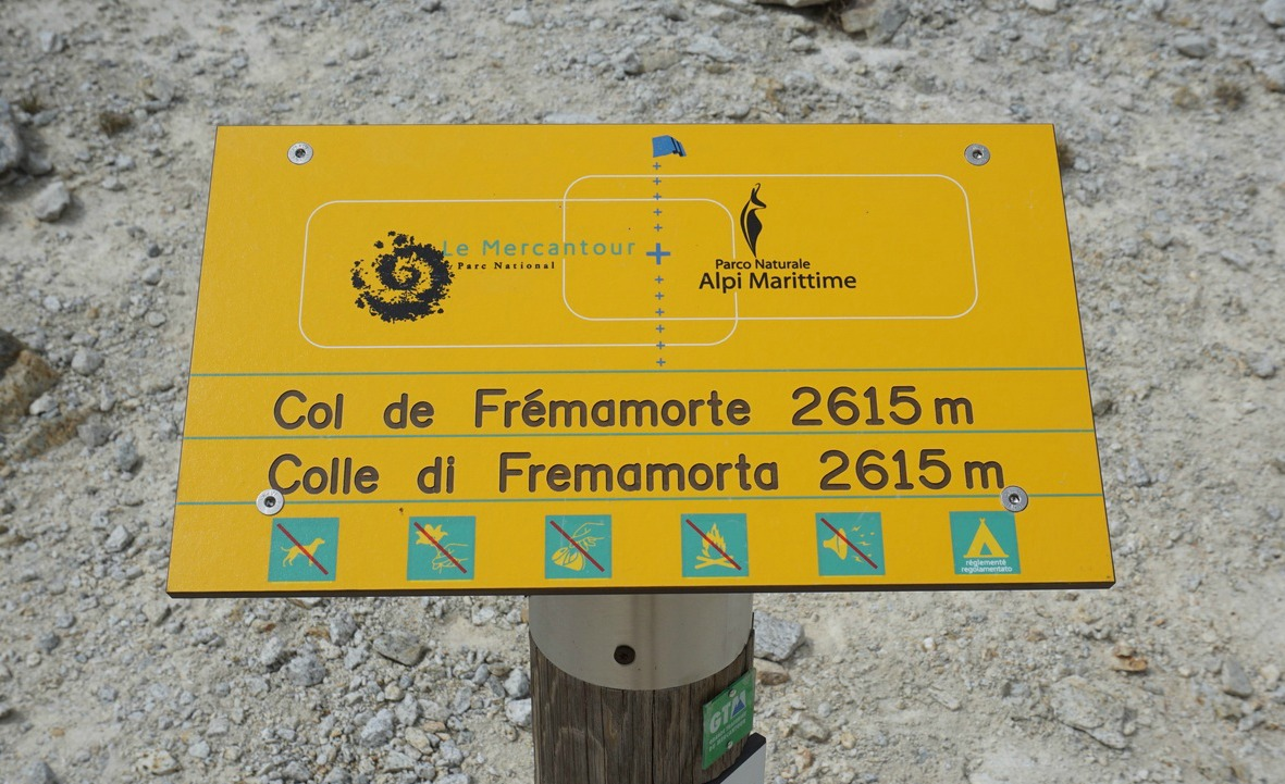 Signpost at Col de Frémamorte