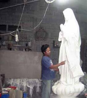 Membuat model patung Maria Fatimah