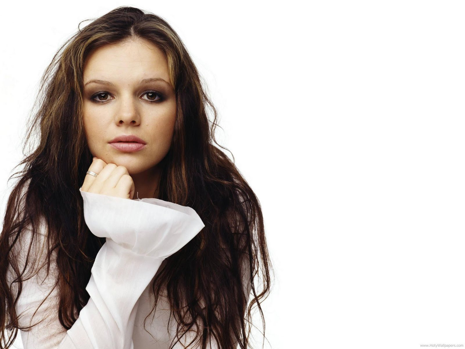 Child Wallpaper Hd Booty Me Now Amber Tamblyn Glamorous Wallpapers