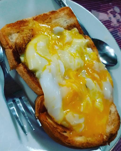 Roti Bakar Telur Nam Min