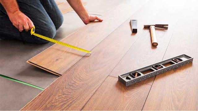 perbedaan pemasangan lantai SPC dengan flooring WPC