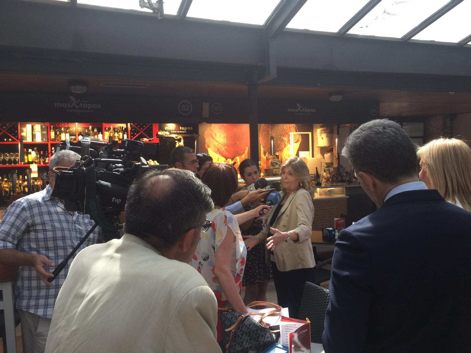 Heraldo de aranjuez visita de la directora general de for Inmobiliaria 2b aranjuez