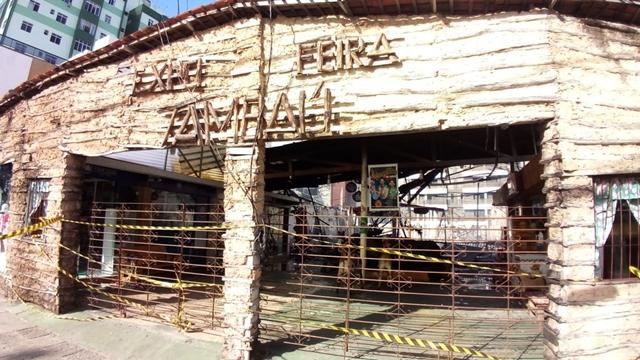 Incêndio destrói feira de artesanato, em João Pessoa; adolescentes são apreendidos