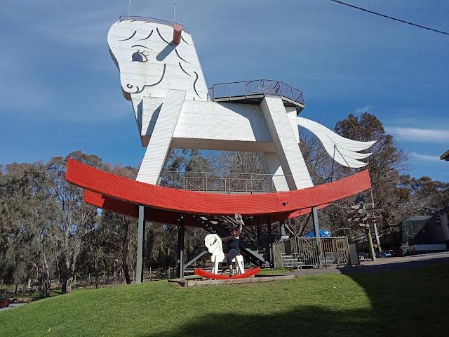 BIG Rocking Horse in Gumchera I South Australian BIG Things