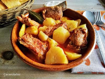 patatas con costillas adobadas