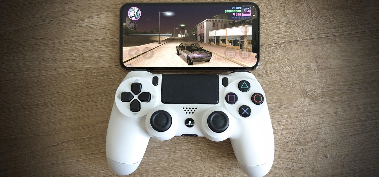 كيفية توصيل دراعات بلايستيشن PS4 إلى الآي فون