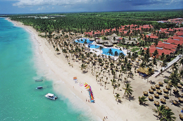 Grand Bahia Principe Punta Cana - All Inclusive, as the crisp opaline sea caresses the endless coastline of Bávaro Beach, you recline under the shade and drift into thoughts of how you can spend this perfect day. Find yourself everyday longing for the rush of traversing the open sea.