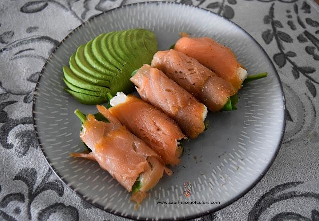Desayuna con rollitos de salmón ahumado