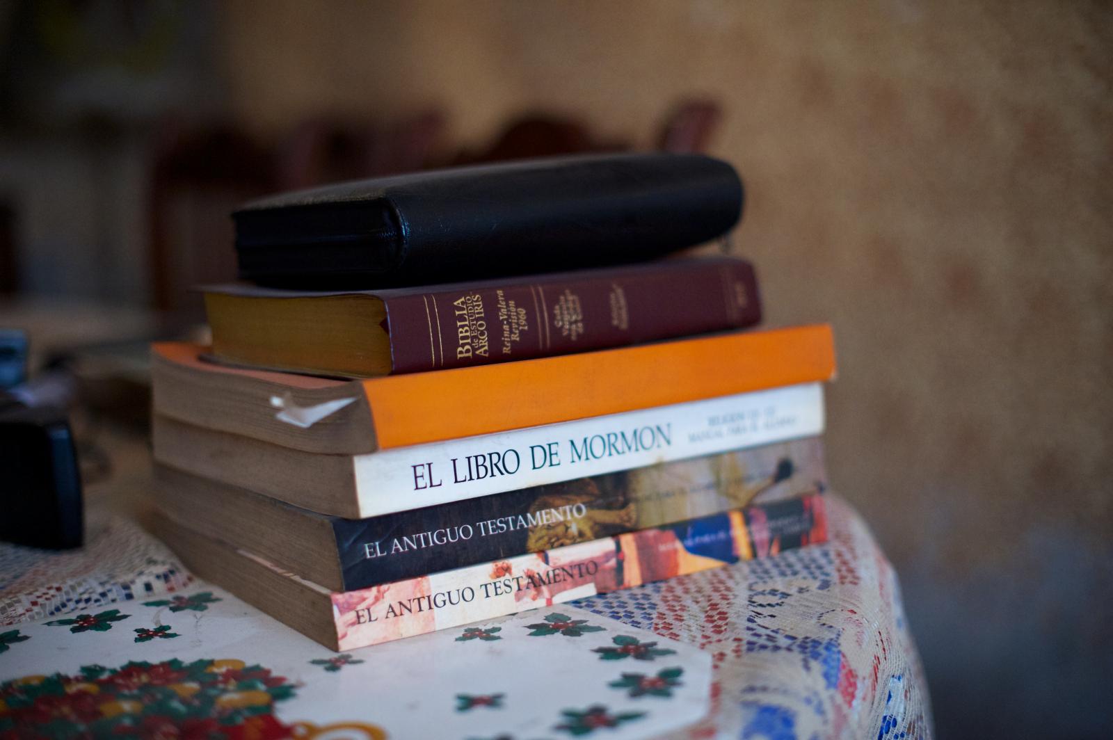 La iglesia comenz desde entonces a usar selecciones del libro para incluirlas en los manuales del sistema educativo uno de los m s utilizados es la