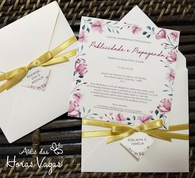 convite de formatura artesanal personalizado estampa floral aquarelado rosa dourado boho chic sofisticado 15 anos casamento diferenciado delicado envelope especial