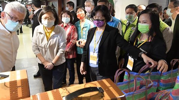蔡英文參訪優格餅乾學院 體驗彰化觀光工廠產業用心