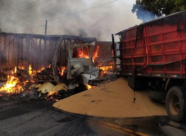 Motorista morre em acidente entre dois caminhões em rodovia de São Pedro do Ivaí