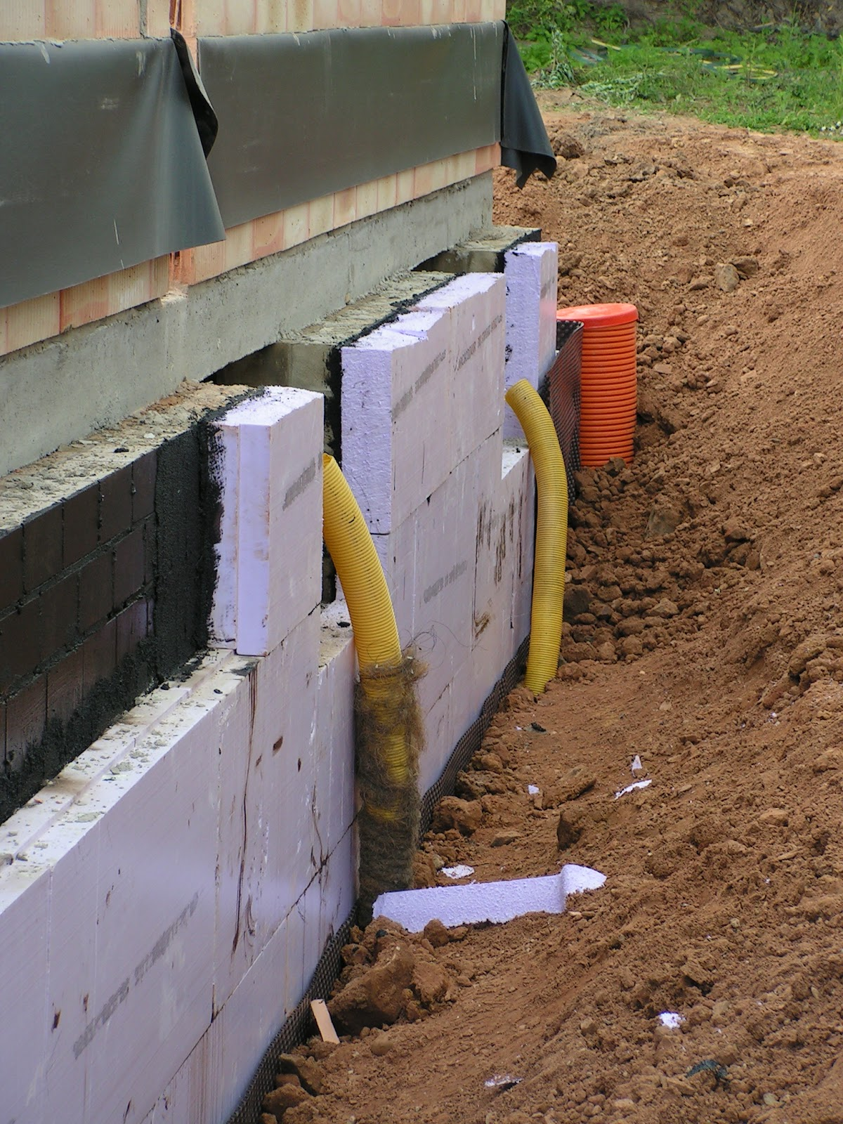 drainage im garten drainage im garten wie tief carprola. Black Bedroom Furniture Sets. Home Design Ideas