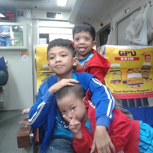 Drama Naik Kereta Api ke Ambarawa dengan 3 Anak