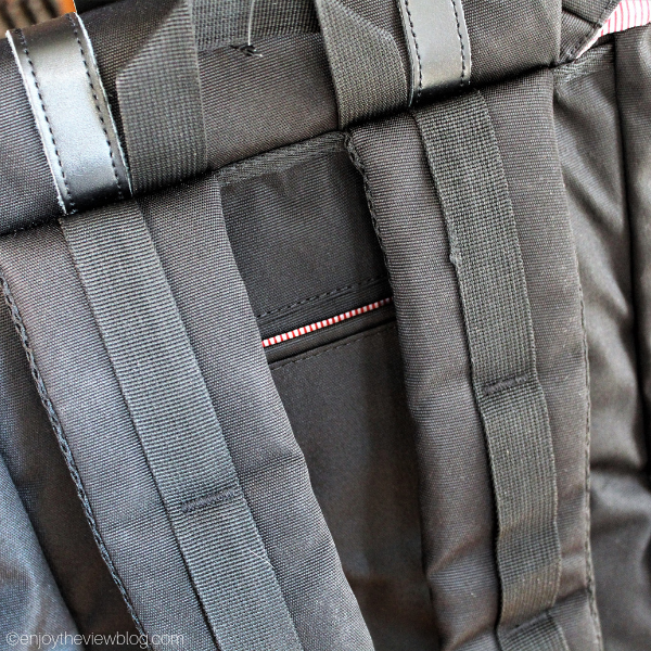 Close-up of the padded straps on the Granite 25 backpack