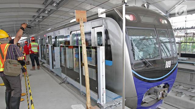 MRT Jakarta Resmi Beroperasional Disambut Dengan Suka Cita Oleh Warga Jakarta
