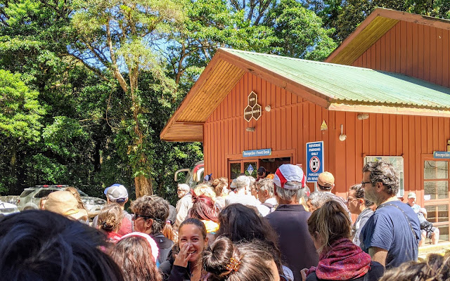 Costa Rica Itinerary: queue to enter Monteverde Reserve