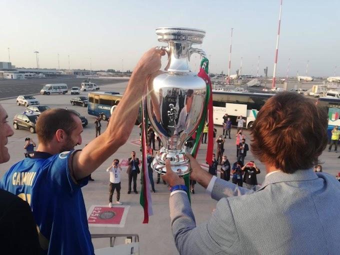 Gli Azzurri campioni d'Europa sono rientrati a Roma