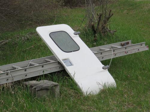 trailer door