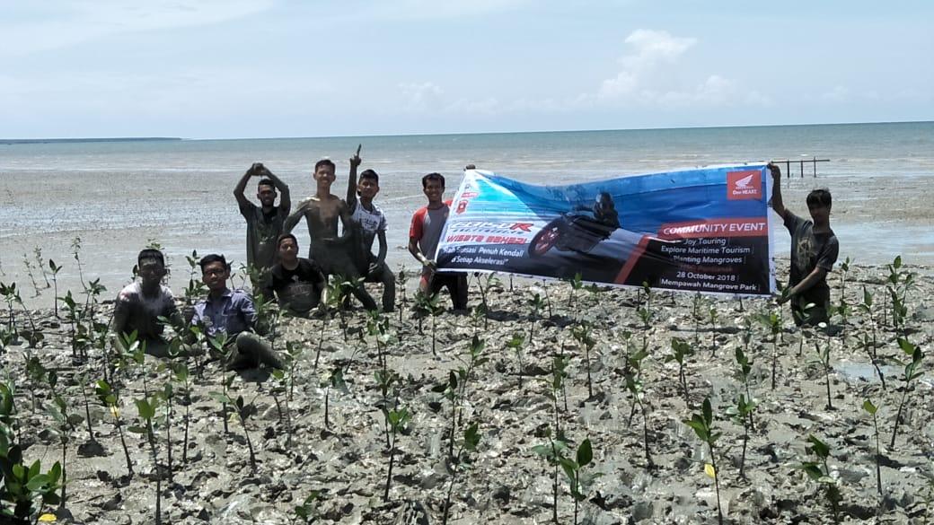 Komunitas Honda Menanam 1000 Bibit Mangrove dalam Rangka Hari Sumpah Pemuda