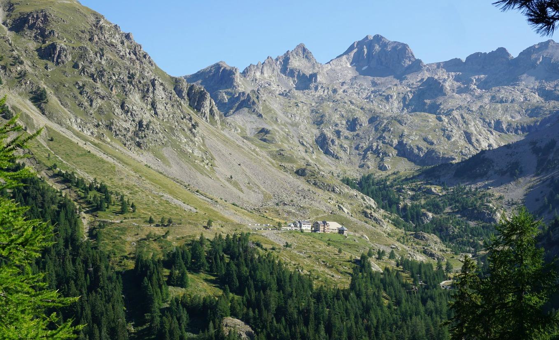 Madone de Fenestre seen from trail to Baisse de Férisson