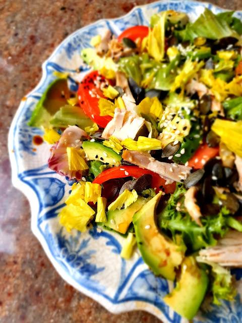 sałatka z kurczaka, sałatka z kurczakiem,imprzowa sałatka,wiem co jem,fit sałatka,sałatka na imieniny,sałatka z awokado,z kuchni do kuchni, najlepszy blog kulinarny,top blog,blogi kulinarne na topie (3)
