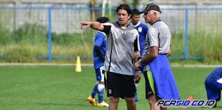 Persib:Fernando Soler Bukan Asisten Pelatih, Tapi Penerjemah Gomez