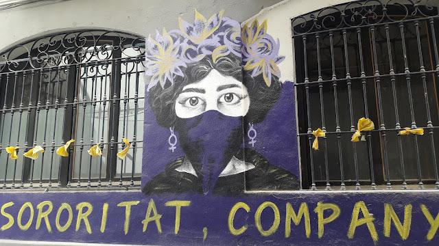 Katalonia, secesja Katalonii, żółte wstążki, graffiti, feminizm,secesja, protest, ciekawostki o Katalonii