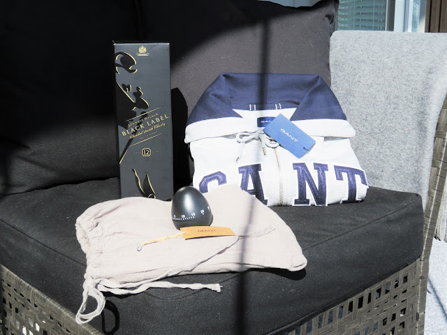 Isyyspakkaus: Gantin huppari, Granit pellava esiliina, munakello ja viskiä