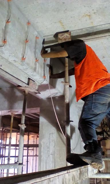 Tenaga-ahli-injeksi-beton-retak