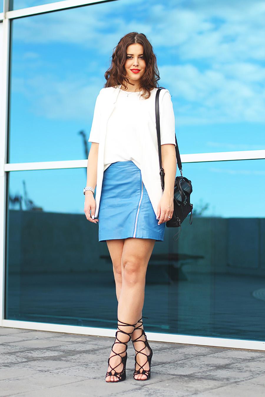 Rok Mini A Line Kulit Leather rambut pirang manis bibir manis