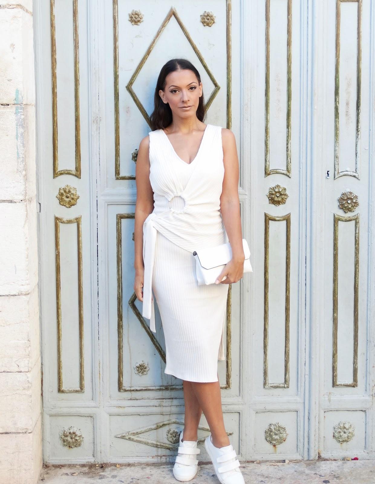 שמלה לבנה לראש השנה